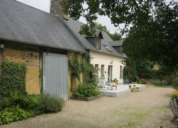 Thumbnail Farmhouse for sale in Vezins, Isigny-Le-Buat, Avranches, Manche, Lower Normandy, France