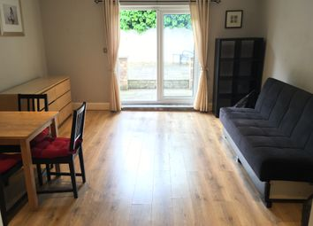 Thumbnail 1 bed flat to rent in Very Near Hastings Broughton Road Area, Ealing West