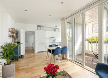 2 bed flat for sale in Casbeard Street, London N4