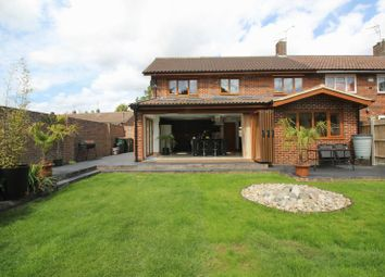 3 bed end terrace house for sale in Hare Lane, Crawley RH11