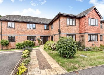Thumbnail 2 bedroom flat to rent in Hervines Court, Amersham