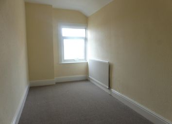 Thumbnail 3 bed property to rent in Avenue Road, Rugby