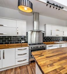 Thumbnail 1 bed detached house to rent in Hampstead Road, Liverpool