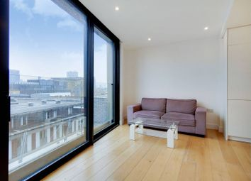 Thumbnail 1 bed flat to rent in Plumbers Row, Aldgate, London