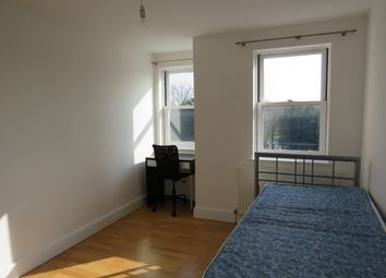 Thumbnail 2 bed flat to rent in Sandmartin Close, Buckingham