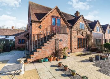 Thumbnail 4 bed cottage for sale in Manor Farm, Stoulton, Worcester