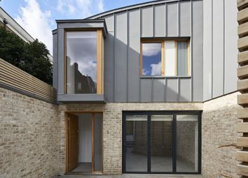 Thumbnail 3 bed town house to rent in Heygate Street, Walworth