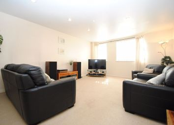 2 bed flat for sale in London Road, Leigh-On-Sea SS9