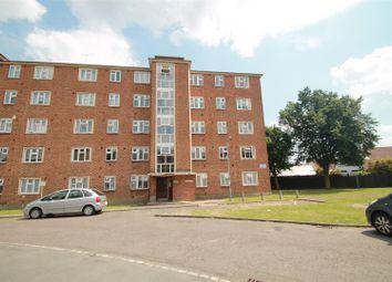 Gaysham Hall, Longwood Gardens, Clayhall IG5. 2 bed flat