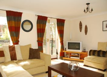 Thumbnail 4 bed property to rent in Chelsea Gardens, West Ealing