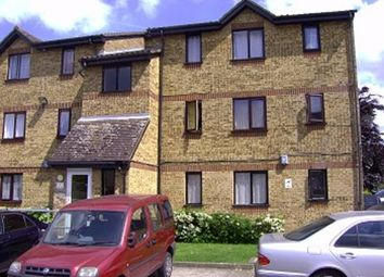 Thumbnail Studio to rent in Linnet Close, London