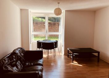 2 bed flat to rent in Congleton Grove, London SE18