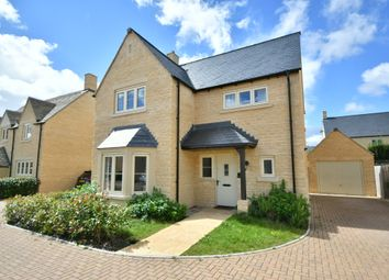 Old Railway Close, Lechlade GL7. 4 bed detached house