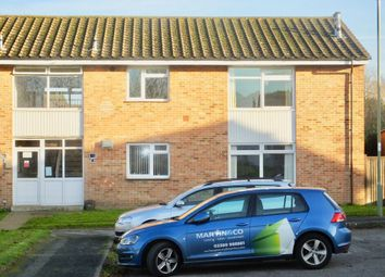 Thumbnail 2 bed maisonette to rent in Simmons Close, Hedge End, Southampton
