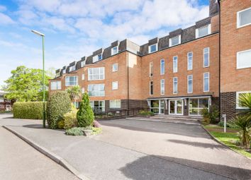 Thumbnail 1 bed flat to rent in Kings Road, Horsham