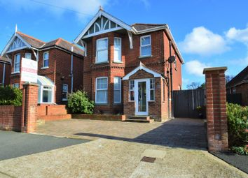 Victoria Crescent, Ryde PO33. 3 bed detached house for sale