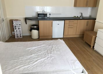 1 bed property to rent in Suffolk Avenue, Shirley, Southampton SO15
