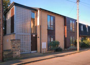 Thumbnail 1 bedroom flat to rent in Alpha Road, Cambridge