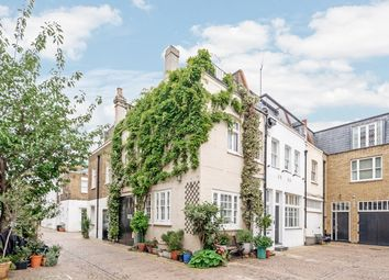 Thumbnail 2 bedroom flat to rent in Queen's Gate Mews, London