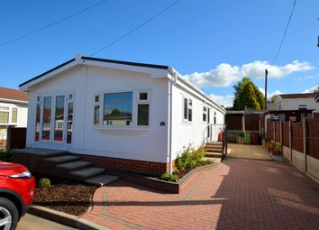 Thumbnail 2 bed mobile/park home for sale in Willow Square, Sunningdale Park, New Tupton, Chesterfield