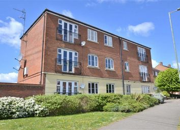 Thumbnail 2 bed flat for sale in Fairfield Crescent, Stevenage, Herts