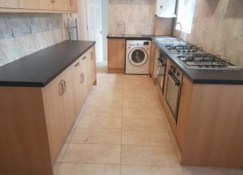 Thumbnail 7 bed terraced house to rent in Kingston Road, Luton