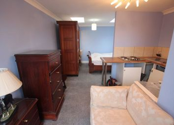 1 bed flat to rent in Colne Road, Twickenham TW2