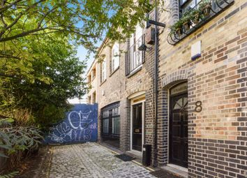 Thumbnail 1 bed flat to rent in Peary Place, London