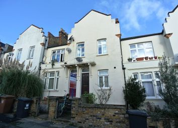 2 bed maisonette for sale in Algiers Road, London SE13