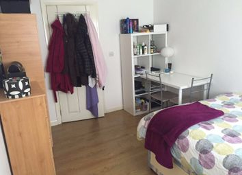 Thumbnail Room to rent in The Approach, Acton