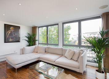 Thumbnail 2 bed flat to rent in Clement Avenue, London