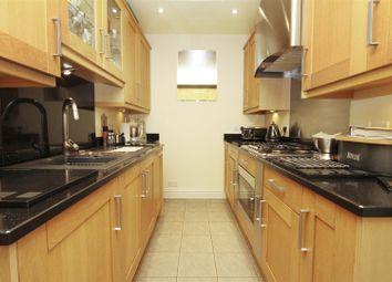 2 bed property for sale in New Peachey Lane, Cowley, Uxbridge UB8