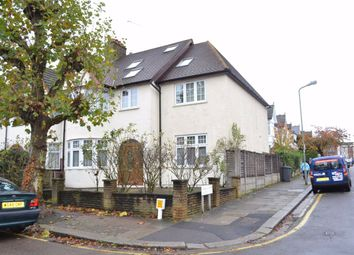 2 bed flat to rent in Grove Avenue, Finchley, London N3