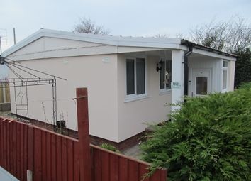 Thumbnail 2 bed mobile/park home for sale in Willow Park (Ref 5866), Mancot, Deeside, Flintshire, Wales