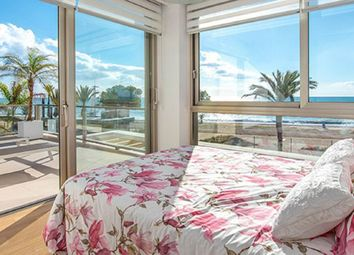Thumbnail 3 bed chalet for sale in Calle Paraíso 03570, Villajoyosa, Alicante
