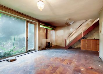 Thumbnail 3 bed property for sale in Ringwood Gardens, London