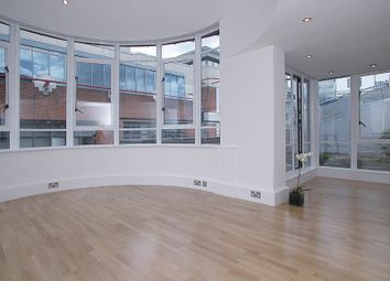 Thumbnail 3 bed flat to rent in Horselydown Lane, London