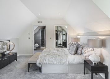 Thumbnail 3 bedroom terraced house for sale in Southdown Road, Harpenden