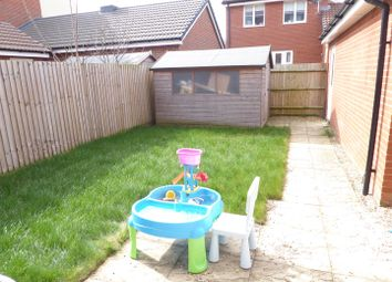 4 bed town house for sale in Renner Croft, Dunstable LU6