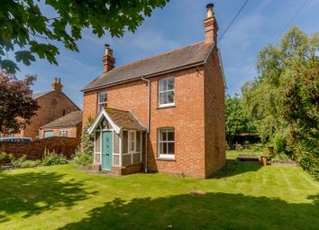 3 bed detached house for sale in Church Street, Twyford, Buckinghamshire MK18