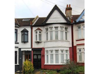 Thumbnail 2 bed flat for sale in West Road, Westcliff-On-Sea