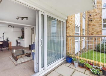 Beech House, Ancastle Green, Henley-On-Thames RG9. 2 bed flat