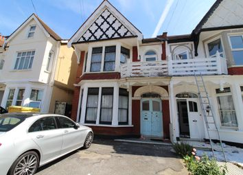 Thumbnail Flat to rent in Grosvenor Road, Westcliff-On-Sea