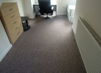 Thumbnail 5 bed terraced house to rent in Donnington Gardens, Reading