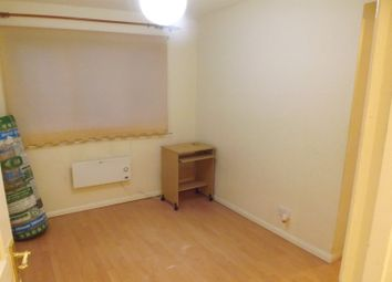 Thumbnail 1 bed flat to rent in Marina Way, Slough
