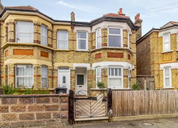 Thumbnail 3 bed flat to rent in Courtney Road, Croydon