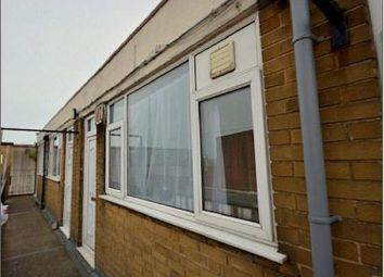 Thumbnail 1 bed flat to rent in Cleethorpe Road, Grimsby