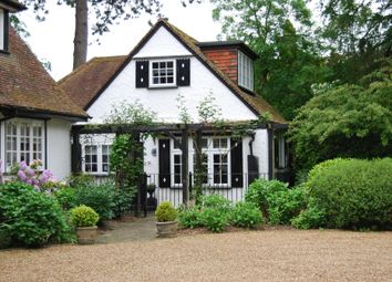 Thumbnail 2 bed cottage to rent in Chalfont Lane, Chorleywood, Rickmansworth