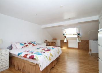 Room to rent in 58 Arngask Road, London SE6