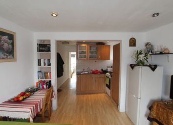 Thumbnail 1 bed flat to rent in Effingham Road, London